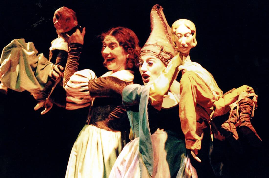 Σκηνή από την παράσταση Η πριγκήπισσα με την πράσινη ουρά