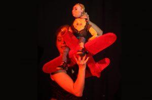 Σκηνή από την παράσταση Μαμά μου, ΜΟΥ!